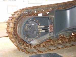 تعمیر هیدروموتور حرکت بیل کوماتسو